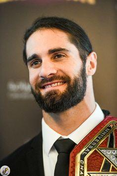 Hansome looking Rollins! Wwe Seth Rollins, Seth Freakin Rollins, Wwe Superstar Roman Reigns, Wwe Roman Reigns, Wwe Stuff, Wwe Champions, Smile Photo, Becky Lynch, Wwe Wrestlers
