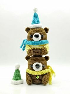 Free amigurumi bear crochet patterns Crochet Hook Set, Crochet Bear, Crochet Gifts, Cute Crochet, Crochet For Kids, Crochet Dolls, Crochet Toys Patterns, Amigurumi Patterns, Stuffed Toys Patterns