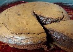 Κέικ με 3 υλικά (σοκολατόπιτα) Party Desserts, Dessert Recipes, Easy Sweets, Bagel, Sweet Recipes, Camembert Cheese, Party Time, Breakfast Recipes, Easy Meals