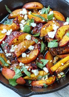 Skillet Balsamic Peach Pork Chops with Feta and Basil Balsamic Pork Chops, Peach Pork Chops, Juicy Pork Chops, Pork Chop Recipes, New Recipes, Healthy Recipes, Greek Quinoa Salad, Oven Dishes