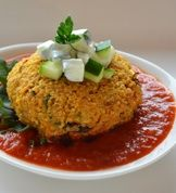 Crispy Crunchy Quinoa Cakes - The Family Dinner by Laurie David Tasty Vegetarian Recipes, Healthy Recipes, Healthy Foods, Healthy Eating, Healthy Lunches, Healthy Cooking, Quinoa Cake, Quinoa Food, Vegan Food