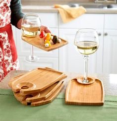Ingenious bamboo party plates/wine glass holders...perfect for tapas!  #CampoViejo