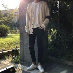Look at this Gorgeous korean fashion outfits Streetwear Mode, Streetwear Fashion, Boy Fashion, Fashion Outfits, Fashion Tips, Fashion Ideas, Mens Fashion 2018, Fashion Vest, Latest Mens Fashion