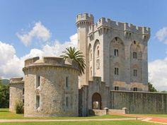 Located in the Urdaibai Biosphere Reserve (Gernika-Mundaka, Biscay), the Castle of Arteaga was restored in 1856 by French Emperor Napoleon III and his wife, Eugenia of Montijo, following the suggestions of Eugène Viollet-le-Duc (responsible of the restoration of Carcassonne (France), for example).