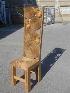 Corrugated Cardboard for your chair Cardboard Chair, Diy Cardboard Furniture, Cardboard Cartons, Paper Furniture, Cardboard Sculpture, Cardboard Paper, Cardboard Crafts, Furniture Projects, Furniture Making