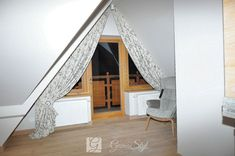 Karnisz sufitowy KS W Hotel, Stairs, Loft, Curtains, Furniture, Home Decor, Stairway, Blinds, Decoration Home