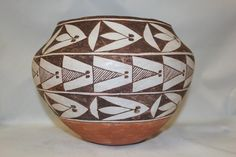 Buy online, view images and see past prices for Vintage Pottery : Very Nice Vintage Acoma Polychrome Pottery Olla. Invaluable is the world's largest marketplace for art, antiques, and collectibles. Native American Pottery, Native American Indians, Outside Fire Pits, Fire Pots, Orange Band, Styling Brush, Pueblo Pottery, Bright Background, Matte Red