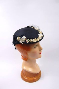 Vintage 50s Blue Straw Floral Hat   Early 1950s Blue and White Veiled Hat    . Velvet ... 2fd074833c05