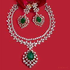 Check out this stunning diamond emerald necklace set by the brand tarasri tibarumals. Diamond Choker Necklace, Emerald Necklace, Diamond Pendant, Gold Pendent, Circle Necklace, Pearl Necklace, Emerald Jewelry, Diamond Jewellery, Indian Jewelry Sets