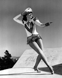 Ann Miller, Still One of the Biggest Stars in the History of Dance ! Golden Age Of Hollywood, Vintage Hollywood, Hollywood Stars, Classic Hollywood, Street Dance, Tap Dance, Just Dance, Dance Moves, Broadway