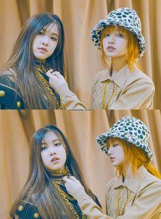 Lisa and Rose Kim Jennie, Yg Entertainment, 2ne1, South Korean Girls, Korean Girl Groups, K Pop, Blackpink Youtube, Yuri, Divas