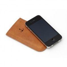 Dünnes Leder und ein Innenfutter aus weicher Baumwolle schützen dein Lieblingshandy vor Schmutz und bösen Kratzern. Und das KlimaPflaster ist auch dabei! Zu Beginn sitzt dein ElektroPulli noch etwas eng - wenn du ihn benutzt, weitet er sich und passt sich genau der Form deines Geräts an, so dass dein iPhone einen perfekten Halt hat. Alle Pullis werden in der eigenen Werkstatt handgefertigt. Tasche passend für iPhone 5 ohne Bumper.