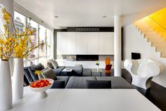 Barbara Littman's Chelsea penthouse is a modern Manhattan escape from her home in New Jersey. Modern Condo, Interior, Dream Living Rooms, Home, Interior Architecture Design, Modern House Design, House Rooms, House Interior, Living Decor