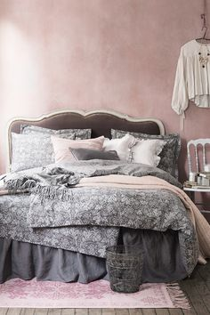 Powdery pastels and floral prints add a hint of vintage glamour to the comforts of home. | H&M Home