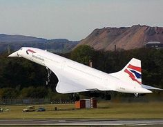 British Airways Concorde (G-BOAE). ** Concorde used to fly over London regularly. She was so graceful and beautiful. British Airways, Sud Aviation, Civil Aviation, Concorde, Rolls Royce, Tupolev Tu 144, Airplane Photography, Passenger Aircraft, Military Jets