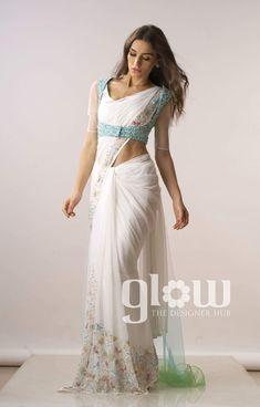 Silk Saree Blouse Designs, Choli Designs, Saree Draping Styles, Saree Styles, Indian Designer Outfits, Indian Outfits, Look Fashion, Indian Fashion, Indian Gowns Dresses