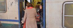Vettore responsabile se una donna rimane incastrata tra le porte del treno Deve infatti ribadirsi il seguente principio di diritto: nel contratto di trasporto di persone, il viaggiatore danneggiato ha l'onere di provare, oltre all'esistenza e all'entità del danno, il nesso  #treno #porte #vettore #responsabilità