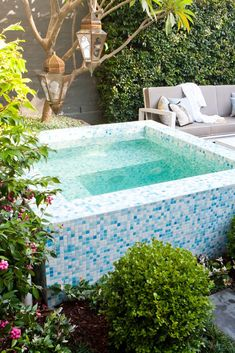 46 Cool Outdoor Garden Design Ideas With Small Pool For Your Home - Choosing the right pool takes careful consideration as it is an expensive undertaking and will become a permanent feature of your garden. It is import. Small Backyard Pools, Small Pools, Outdoor Pool, Outdoor Gardens, Swimming Pool House, Swimming Pool Designs, Small City Garden, Swimming Pool Maintenance, Little Pool
