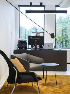 Moderne kontorlokaler, Oslo - Nyfelt og Strand Interiørarkitekter Oslo, Office Desk, Furniture, Home Decor, Modern, Desk Office, Decoration Home, Desk, Room Decor