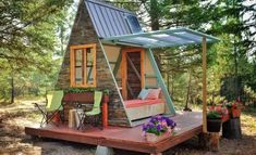THIS ADORABLE TINY CABIN COST ONLY $700 TO BUILD -