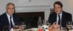 Σε δείπνο προθέρμανσης για την επανέναρξη των συνομιλιών προσέρχονται Αναστασιάδης- Aκιντζί