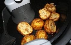 Roasted New Potatoes With Garlic (Actifry) Recipe - tefalactifry Air Fry Recipes, Side Dish Recipes, Potato Recipes, Vegetable Recipes, Vegan Recipes, Cooking Recipes, Vegan Food, Tefal Actifry, Small Potatoes Recipe