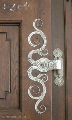 Inspire Bohemia: Decorative Door Hardware: Handles, Knobs, Knockers, Keyholes, Hinges and more! Door Knobs And Knockers, Knobs And Handles, Door Hinges, Diy Door Knobs, Cool Doors, Unique Doors, Art Nouveau, Door Furniture, Painted Furniture