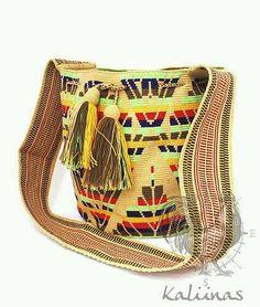 Marvelous Crochet A Shell Stitch Purse Bag Ideas. Wonderful Crochet A Shell Stitch Purse Bag Ideas. Crochet Shell Stitch, Crochet Hook Set, Crochet Handbags, Crochet Purses, Crochet Bags, Tapestry Bag, Tapestry Crochet, Mochila Crochet, Easy Crochet Projects