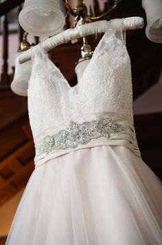 beaded gown sash, photo by Jennifer Crenshaw Photography http://ruffledblog.com/clark-gardens-wedding #weddingdress #bridal