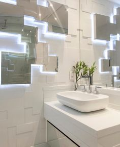 Como lidar com um banheiro deste?! Amei! Projeto Kilaris e Iara Kilaris www.homeidea.com.br Face: /homeidea Pinterest: Home Idea #homeidea #arquitetura #ambiente #archdecor #archdesign #projeto #homestyle #home #homedecor #pontodecor #homedesign #photooftheday #interiordesign #interiores #picoftheday #decoration #revestimento #decoracao #architecture #archdaily #inspiration #project #regram #home #casa #grupodecordigital #banheiro