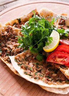 Arda 39 nin mutfa i m n p zza tar f televizyon for Arda turkish cuisine