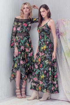 Tadashi Shoji Resort 2017 Fashion Show Collection: See the complete Tadashi Shoji Resort 2017 collection. Look 6 Fashion 2017, Look Fashion, Fashion News, Womens Fashion, Fashion Design, Lace Dress, Dress Up, Short Dresses, Summer Dresses