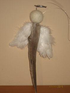 Engel aus federn basteln weihnachten kleinkinder - Schutzengel basteln aus holz ...