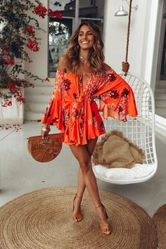 Our Moral Of The Story Playsuit sits perfectly off the shoulder, has a drawstring neckline and waist and long off shoulder sleeves that flute at the cuff Pair this relaxed style with an elegant updo and black block heels! Orange playsuit Not lined - # Hawaii Outfits, Summer Vacation Outfits, Honeymoon Outfits, Cancun Outfits, Mexico Vacation Outfits, Summer Outfit, Boho Spring Outfits, Beach Holiday Outfits, Outfit Beach