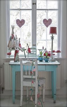 must find cute little desk for girls room...hahaha