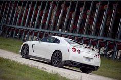 【スライドショー】常識外れの科学者たちが作った日産GT-R - WSJ.com