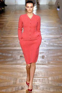 Stella McCartney Fall 2012 Ready-to-Wear Fashion Show - Erjona Ala (Elite) Spring Fashion Outfits, Fall Winter Outfits, Fashion Week, Autumn Winter Fashion, Fashion Show, Fashion Looks, Fashion Design, Paris Fashion, Pink Fashion