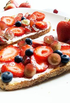 Simple, wholesome, and delicious, this fruit toast is ready to eat in under five minutes– perfect for a quick breakfast or snack! (scheduled via http://www.tailwindapp.com?utm_source=pinterest&utm_medium=twpin&utm_content=post93229457&utm_campaign=scheduler_attribution)