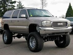 Cheap Lifted SUV - 2000 GMC Yukon 2500 XL - Low Mileage — $12995