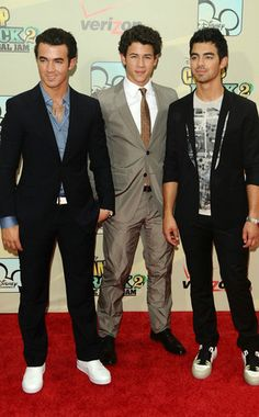 What? The Jonas Brothers broke up, you say?! (Click for the full story!)