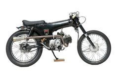 Custom Honda American Dax by Yotaro Shimoyama | Transformed inside an appartment | Japan