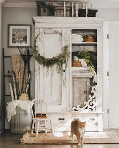 Perfect French Shabby Chic Interior Design – Shabby Chic Home Interiors Shabby Chic Kitchen, Shabby Chic Homes, Shabby Chic Decor, Shabby Chic White, Shabby Chic Cabin, Shabby Chic Wardrobe, Country Kitchen, Rustic Decor, Kitchen Decor