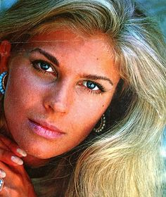 Candice Bergen....she was such a classic beauty.....grace personified...still aging beautifully..