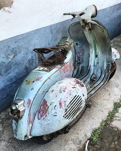 Vespa Bike, Piaggio Vespa, Lambretta Scooter, Scooter Motorcycle, Vespa Scooters, Vintage Bikes, Vintage Vespa, Italian Scooter, Scooter Custom