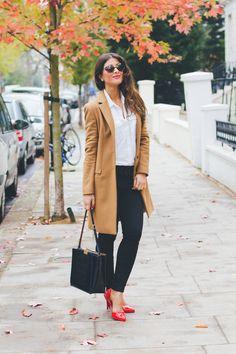 simple: white blouse, skinnies, pumps, coat