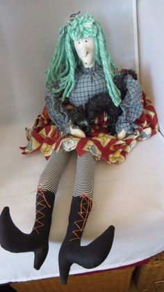 HALLOWEEN WITCH--A GREAT PIECE OF SOFT SCULPTURE
