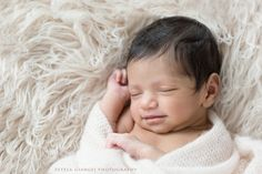 Estela Giargei Photography - Houston Newborn Photographer - Natural and Organic Baby Photography by Photographer Estela Giargei in Houston