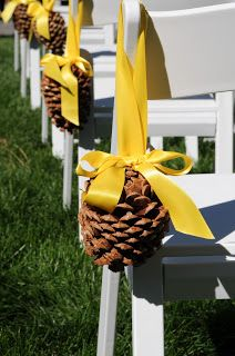 Pretty inexpensive idea for aisle decoration, Change the bow color, great for outdoor weddings.                                                                                                                                                                                 More