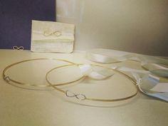 Χειροποίητα στέφανα από τη συλλογή μου Round Glass, Glasses, Bracelets, Gold, Wedding, Jewelry, Eyewear, Valentines Day Weddings, Eyeglasses
