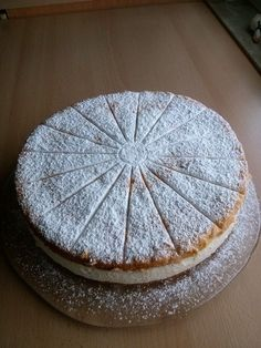 Käsesahne ohne Gelatine Cheese cream without gelatine, a very nice recipe from the baking category. German Cake, Easy Cookie Recipes, Gelatine, Best Face Products, Cakes And More, Creative Food, I Love Food, No Bake Cake, Food And Drink